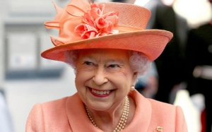 Игрушки королевы Елизаветы II выставили на аукцион