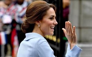 Герцогиня Кембриджская пожертвовала волосы детям